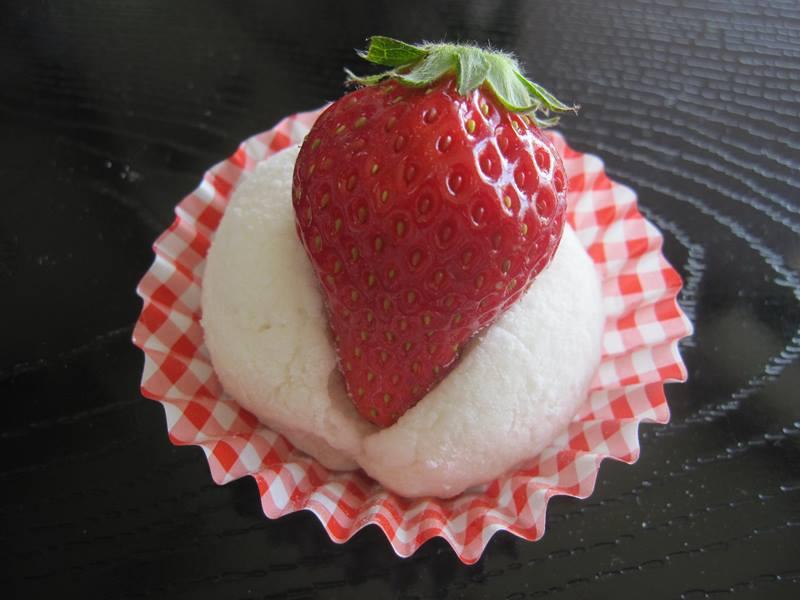 小坂井とらや(こざかい とらや) バタークリーム  葵出世太鼓ウイスキーどら焼 ふわふわ羽二重餅いちご大福